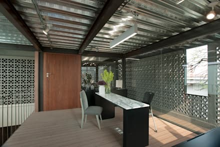 Office buildings by Paola Calzada Arquitectos