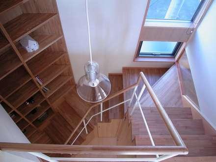 階段: 麻生英之建築設計事務所が手掛けた階段です。