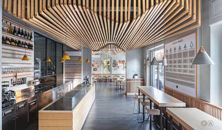 Veratti - Pizzeria Casul Gourmet: Gastronomia in stile  di Principioattivo Architecture Group Srl