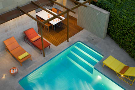 CASA MB: Piscinas de estilo moderno de GUILLEM CARRERA arquitecte