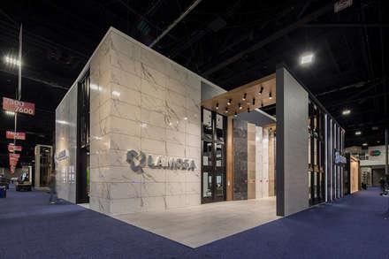 Centros de exhibición de estilo  por Local 10 Arquitectura