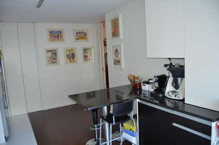 Cozinha (4): Cozinhas embutidas  por Clix Mais