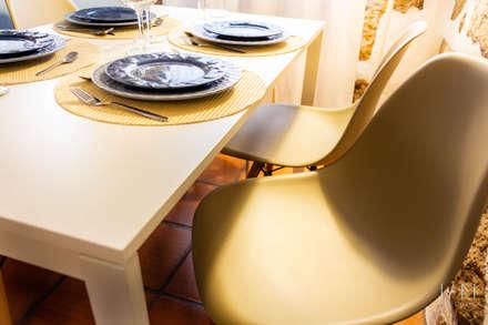 Foz House 1   Homestaging: Salas de jantar campestres por IAM Interiores