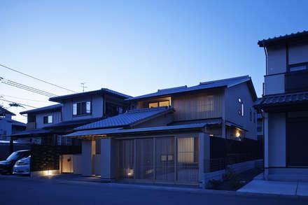 Wooden houses by 空間工房 用舎行蔵 一級建築士事務所
