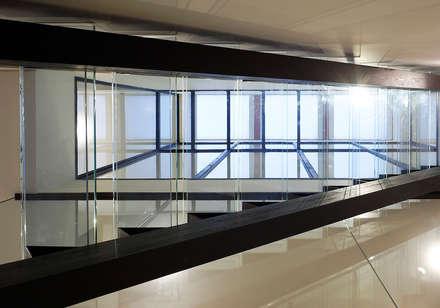 บันได by 空間工房 用舎行蔵 一級建築士事務所
