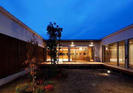 丹羽郡K邸: 空間工房 用舎行蔵 一級建築士事務所が手掛けた庭です。