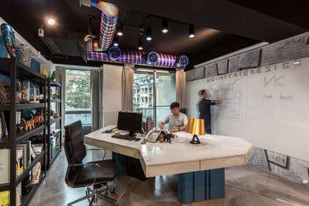Office buildings by Mk-空間設計