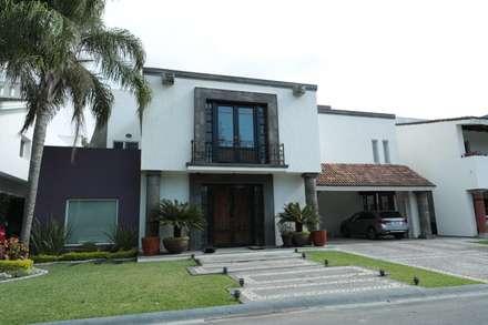 منزل عائلي صغير تنفيذ Tierra Fría