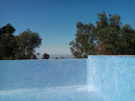 Infinity pool by Arkhimacchietta Atelier