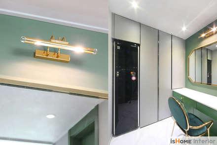 시선을 사로잡는 38평 청라아파트의 품격: 이즈홈의  드레스 룸