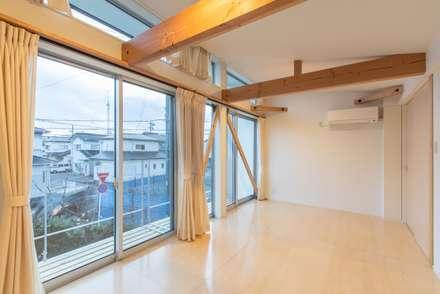 غرفة نوم مراهقين  تنفيذ アース・アーキテクツ一級建築士事務所