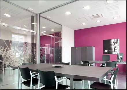 Oficinas Habitatge: Oficinas y Tiendas de estilo  de DosiCreatius