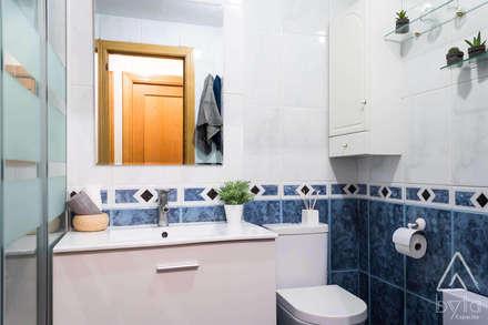 Home Staging apartamento en alquiler. Vallecas, Madrid: Escaleras de estilo  de Byta Espacios