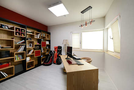 modern Study/office by 코원하우스