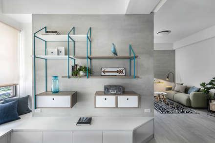 กำแพง by 寓子設計