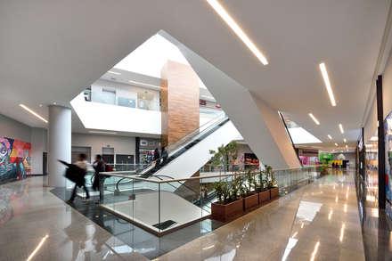 مراكز تسوق/ مولات تنفيذ Grow Arquitectos