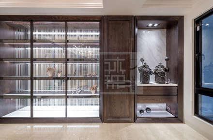 王公館:  走廊 & 玄關 by 沐築空間設計