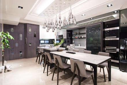 王公館:  餐廳 by 沐築空間設計