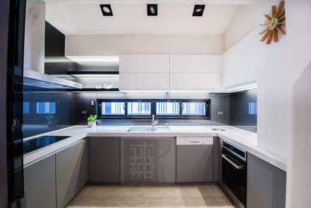 王公館:  廚房 by 沐築空間設計