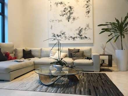 Scandinavian Luxury: scandinavian Living room by Singapore Carpentry