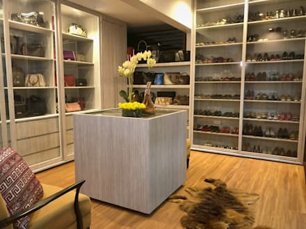Walk in Closet 1: modern Bedroom by SNS Lush Designs and Home Decor Consultancy