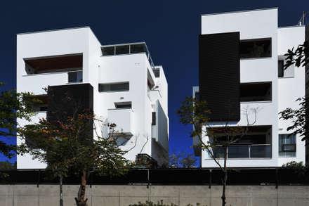 建築設計+室內設計 白居31 LC House:  獨棟房 by 黃耀德建築師事務所  Adermark Design Studio