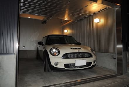 Garage prefabbricato in stile  di 中浦建築事務所