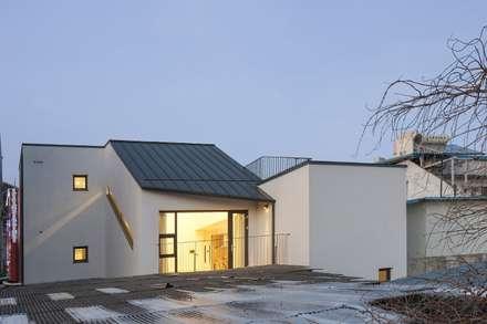 청평 정적의 집: 'Snow AIDe의  지붕