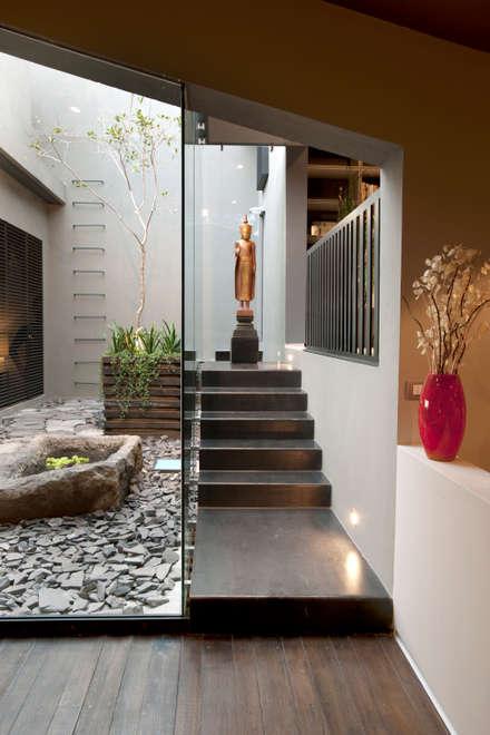 Lantai by Paola Calzada Arquitectos