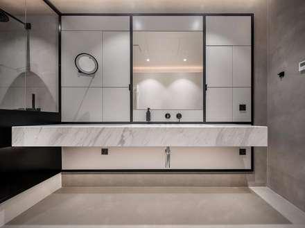 Villa in Surat: asian Bathroom by Athrva architect