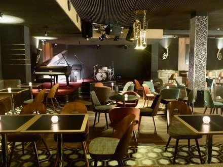 Bar & Klub  by Projektowanie Wnętrz Kasya