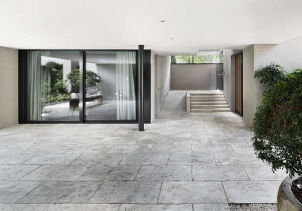 Objekt 268 / meier architekten:  Haustür von meier architekten
