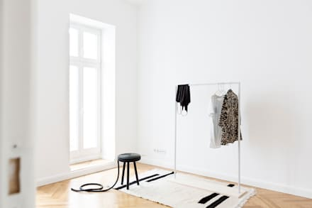 Minimal Living: minimalistische Ankleidezimmer von Kathy Kunz Interiors
