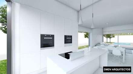 Vivienda PASSIVHAUS Villalbilla (Madrid). Casa Lukas. Cocina.: Cocinas integrales de estilo  de DMDV Arquitectos