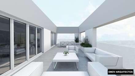 Bloque viviendas PASSIVHAUS Madrid. Arroyo del Fresno. Viviendas Loft PASSIVHAUS. Terraza áticos.: Terrazas de estilo  de DMDV Arquitectos