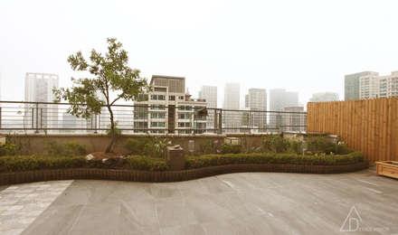 호텔같은 복층 펜트하우스 인테리어: 디자인 아버의  실내 정원
