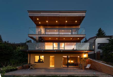 HAUS IN WEIDLING: Moderne Häuser Von AL ARCHITEKT