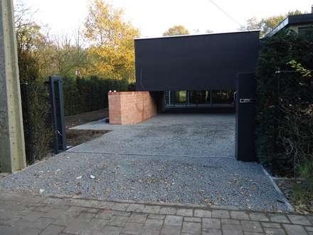 ¡Proyecto terminado! ¡Instalación de estabilizadores de grava exitosa!: Jardines con piedras de estilo  de AMAGARD ESPAÑA