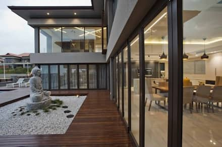 House Izinga Park 2 :  Multi-Family house by Urban Create Design Interiors