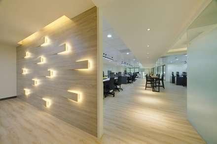 อาคารสำนักงาน ร้านค้า by 有偶設計 YOO Design
