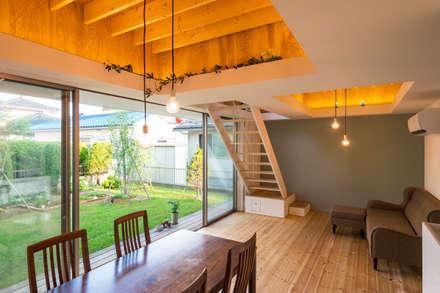 on house: Takeru Shoji Architects.Co.,Ltdが手掛けたリビングです。