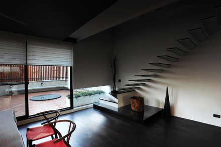 建築設計+室內設計 白居29 HW House:  樓梯 by 黃耀德建築師事務所  Adermark Design Studio