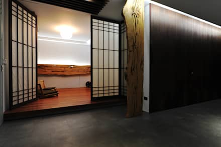 Cửa ra vào by 黃耀德建築師事務所  Adermark Design Studio
