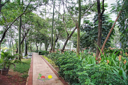 Trung tâm mua sắm by PT. Kampung Flora Cipta