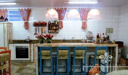 Tủ bếp by Escritorio de Arquitetura Karina Garcia