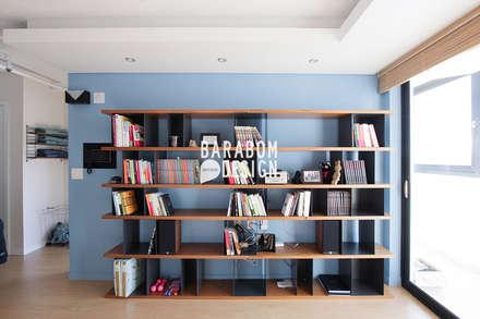 마장동 중앙하이츠: 바라봄디자인의  거실