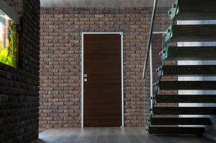 Salas multimedias de estilo  por Архитектурная студия Чадо
