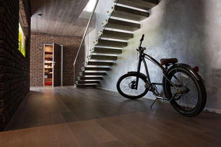 Escaleras de estilo  de Архитектурная студия Чадо