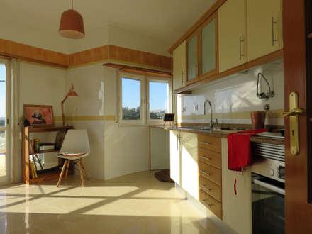 T2BellaVista RENOVATIO: Cozinhas mediterrânicas por casasrenovatio