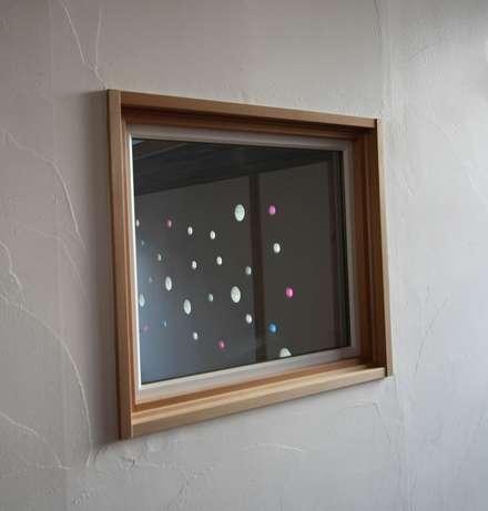 หน้าต่างไม้ by 株式会社高野設計工房